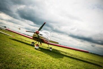 الطائرة الحمراء